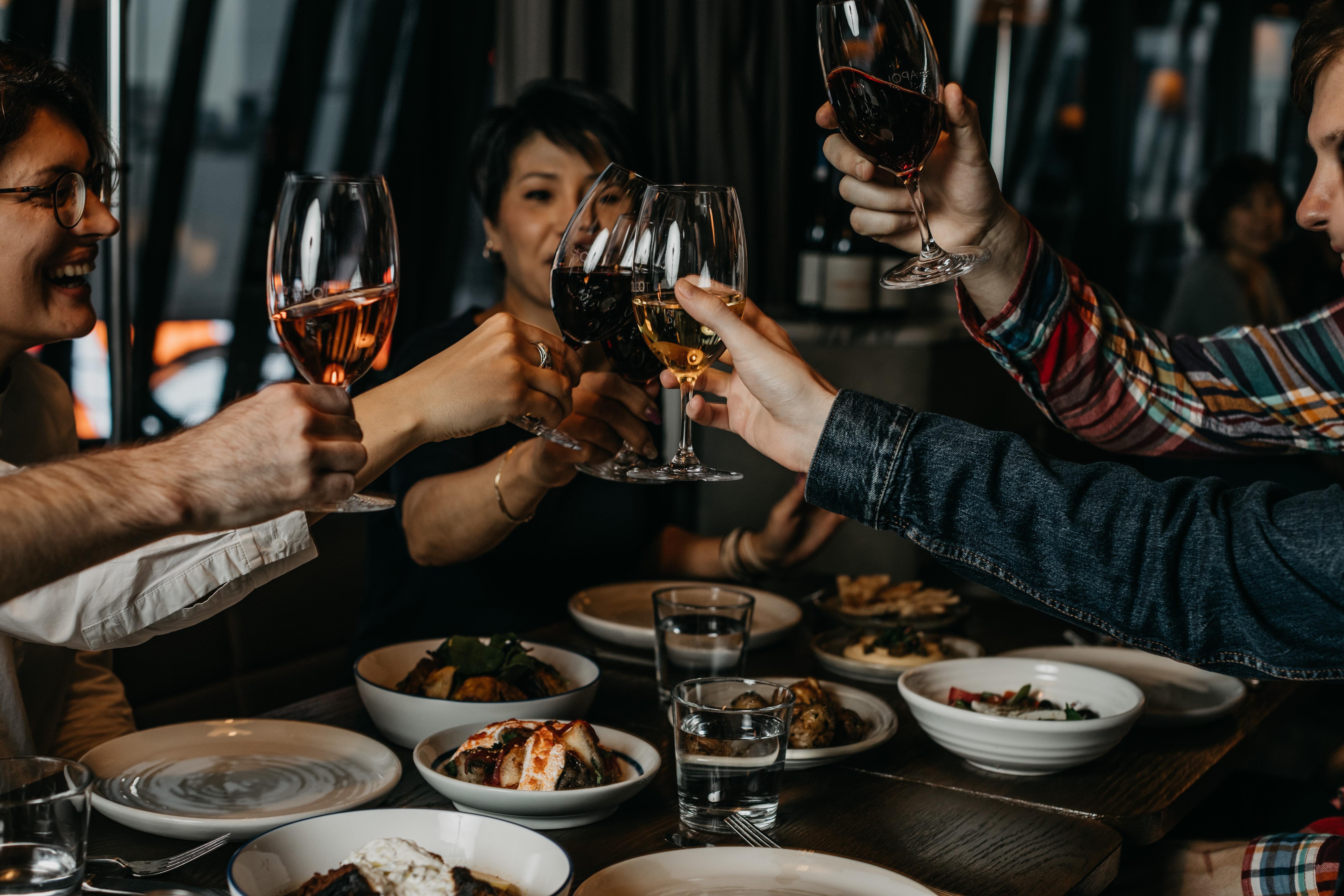 【THE APOLLO】女性グループ30%OFFやワインボトル半額!特別キャンペーン実施中!
