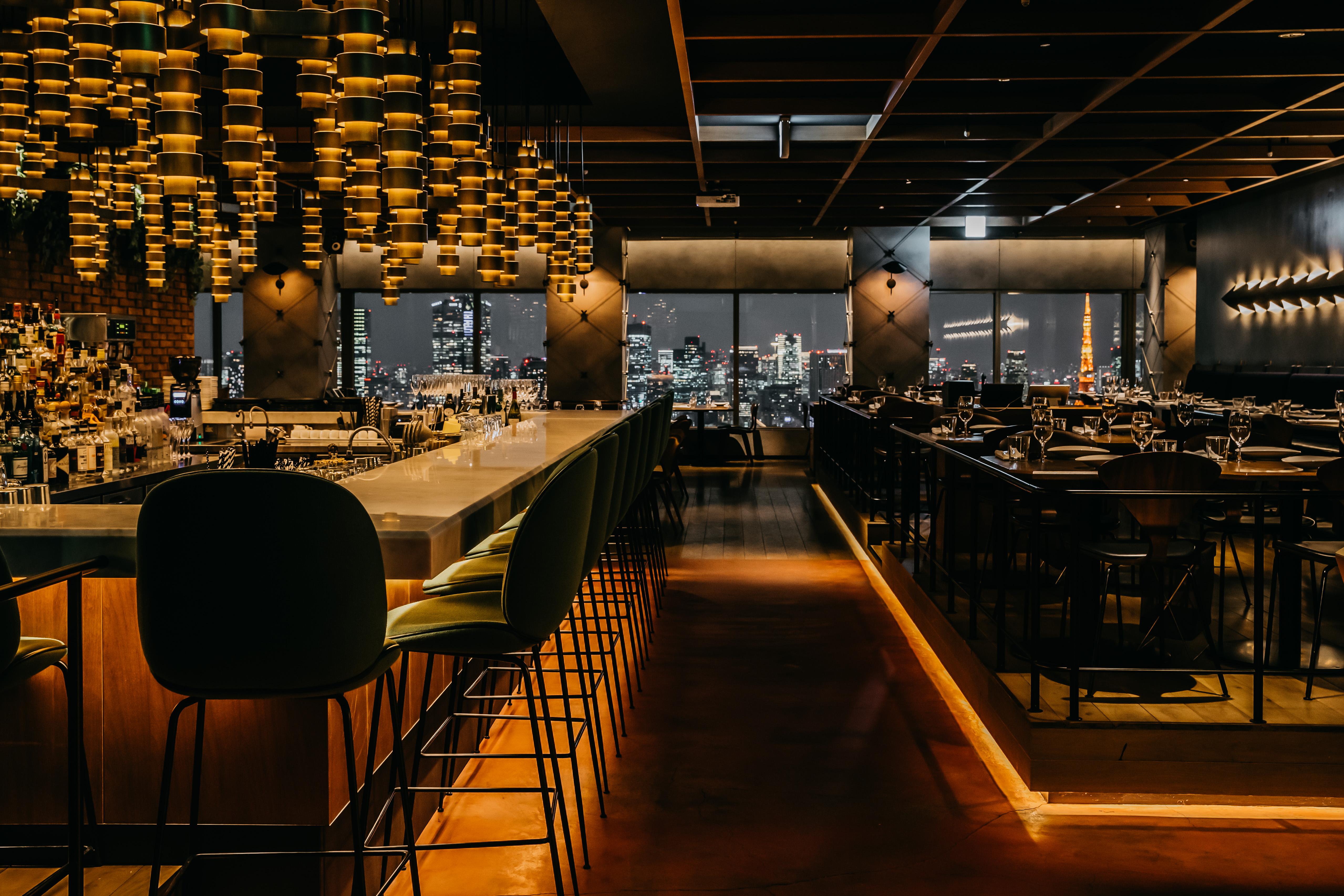 【Longrain】最上階から望めるパノラマ夜景を窓側席で!非日常な空間で、大切な方とのお食事を!